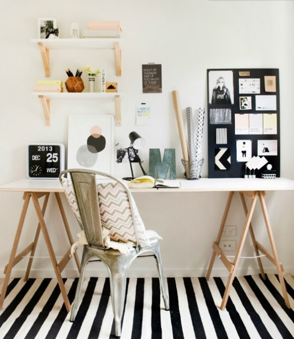Scandivian-Home-study-room-striped-rug